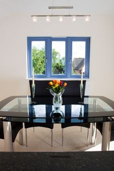 Free Modern Open Plan Dining Area Royalty Free Stock Photography - 10090107