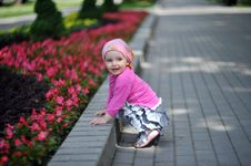 Free Little Girl In Park Stock Photography - 10093162