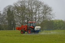 Free Red Tractor Stock Photography - 10094402