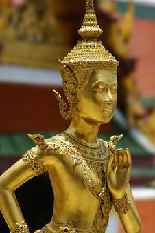 Free Golden Thai Angel Statue Stock Images - 10095674