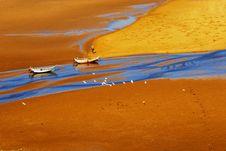 Free Yellow Beach Royalty Free Stock Photos - 10096678