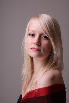 Free Fashion Model In Studio Stock Photography - 10099302