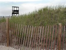 Free Lifeguard Stand And Fence Royalty Free Stock Images - 1010299