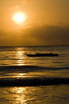 Free Sunset By The Sea Royalty Free Stock Photography - 1011427