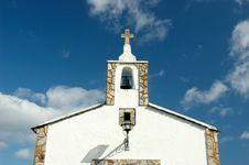 Free White Church, Blue Heaven Royalty Free Stock Images - 1016739