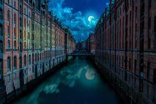 Free Reflection, Waterway, Metropolis, Cityscape Stock Photos - 101082193