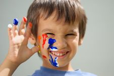 Free Kid With Color On His Fingers Stock Photography - 10113592