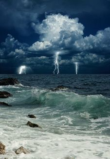 Free Storm Above Sea Stock Photography - 101151992