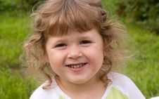 Free Little Girl Smiling Royalty Free Stock Images - 10122289