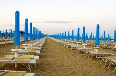 Free In The Beach Row To Deckchair In The Adria Royalty Free Stock Image - 10129176