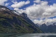 Free Cloud, Water, Sky, Mountain Royalty Free Stock Photo - 101318535