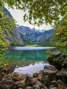 Free Mountain Lake Royalty Free Stock Image - 101321386