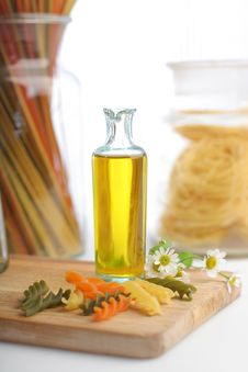 Free Pasta With Oil Bottle Royalty Free Stock Photos - 10140358