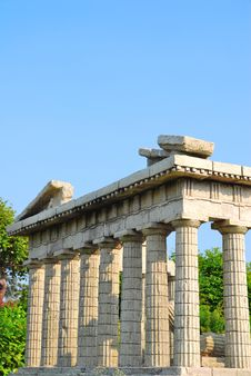 Free Side View Of The Parthenon Stock Images - 10142074