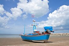 Free Boat On Beach In Thailand Royalty Free Stock Photos - 10143908