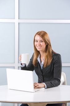 Free Business Woman In Modern Office Royalty Free Stock Photos - 10144558