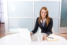 Free Business Woman Laptop Royalty Free Stock Photography - 10145557