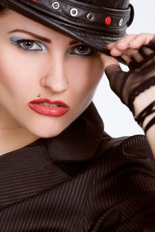 Free Young Fashionable Model With Black Hat Royalty Free Stock Image - 10146236