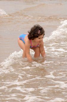 Free Cute Little Girl On The Beach Stock Photos - 10151623