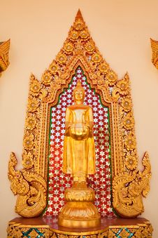Free Standing Buddha Statue Royalty Free Stock Photo - 10153265