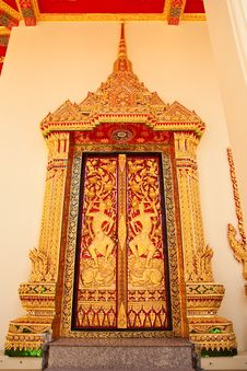 Free Traditional Thai Style Church Window Royalty Free Stock Image - 10153656