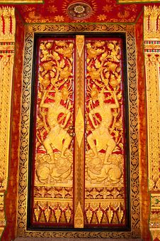 Free Traditional Thai Style Church Window Royalty Free Stock Image - 10154176