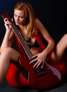 Free Woman With Electric Guitar Royalty Free Stock Image - 10156716