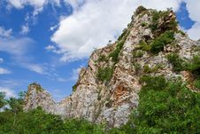 Free Mountain In Middle Of Thailand Royalty Free Stock Photography - 10157137