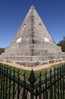 Free Star Pyramid Or Salem Rock, Stirling Royalty Free Stock Image - 10159186