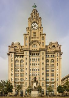 Free Royal Liver Building Royalty Free Stock Images - 101539729