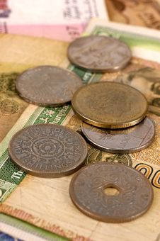 Free Foreign Coins And Notes With Selective Focus Stock Images - 10160934