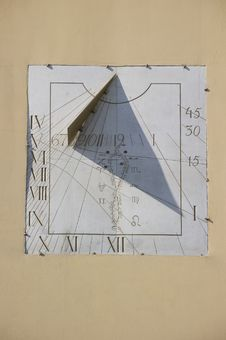 Free Sundial Stock Images - 10167384
