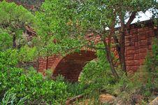 Free Hidden Bridge Royalty Free Stock Images - 10167559