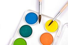 Free Gouache And 2 Brushes Royalty Free Stock Photography - 10168687