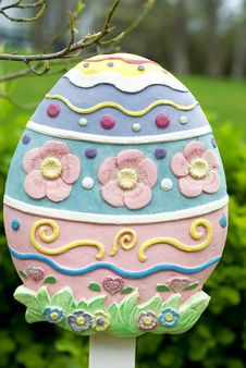 Free Pastel Colored Easter Egg Sign Stock Photos - 10169013