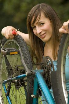 Free Repairing The Bike Royalty Free Stock Image - 10169776