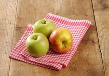 Free Fresh Apples Stock Image - 10170421