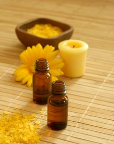 Bottle Of Essence Oil, Bath Salt And Flower Stock Photography