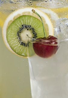 Free Cherry & Kiwi Garnish On Drink Stock Images - 10172254