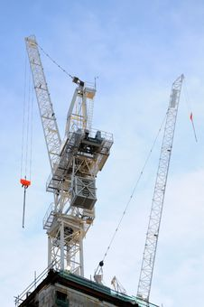 Free Two Construction Cranes Royalty Free Stock Photos - 10172868