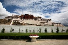 Free Potala Palace Royalty Free Stock Image - 10173376