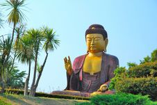 Free Huge Buddha Statue Royalty Free Stock Image - 10173626