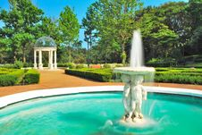 Free Fountain And Pavilion Stock Photo - 10173680