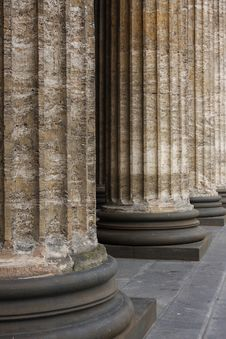 Free Classical Marble Columns Stock Photography - 10175252