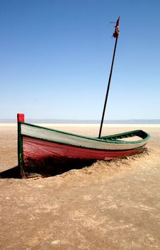 Free Boat On Salt Lake In Tunisia Royalty Free Stock Photography - 10175347