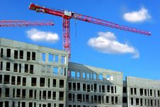 Free Building And Crane On A Background Of The Blue Sky Stock Image - 10176051