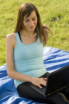 Woman With Laptop Working Outdoor Royalty Free Stock Photos