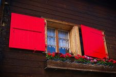 Free Red Shutter Window Royalty Free Stock Photography - 101701437