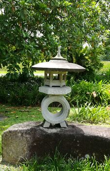 Free Stone Lantern2 Royalty Free Stock Photos - 101745438
