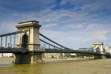 Free Bridge On The Danube Royalty Free Stock Images - 10180369